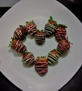 Chocolate Dipped Strawberries DIY Valentines - arranged in a heart