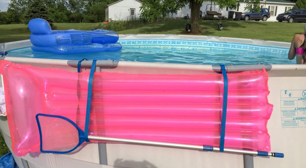 Cheap and Easy Dollar Store Pool Hacks - float organizer #swimmingpool #poolcare #poolhacks #summertime #pooltime