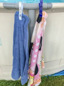 Cheap and Easy Dollar Store Pool Hacks - towel clips #swimmingpool #poolcare #pooltime #poolhacks #summertime