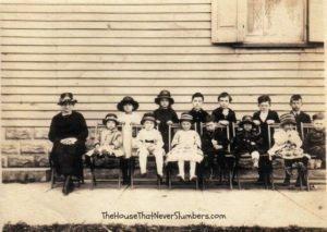 Bloomingport Friends Sunday School about 1921 - #genealogy #familyhistory #familytree #indianahistory #randolphcountyindinana