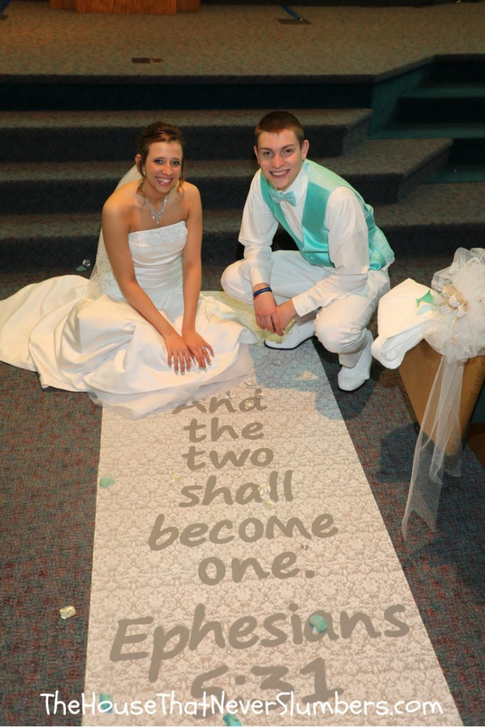 How to Personalize Your Wedding Aisle Runner for Under $25 - #wedding #rusticwedding #budgetwedding #weddingscripture