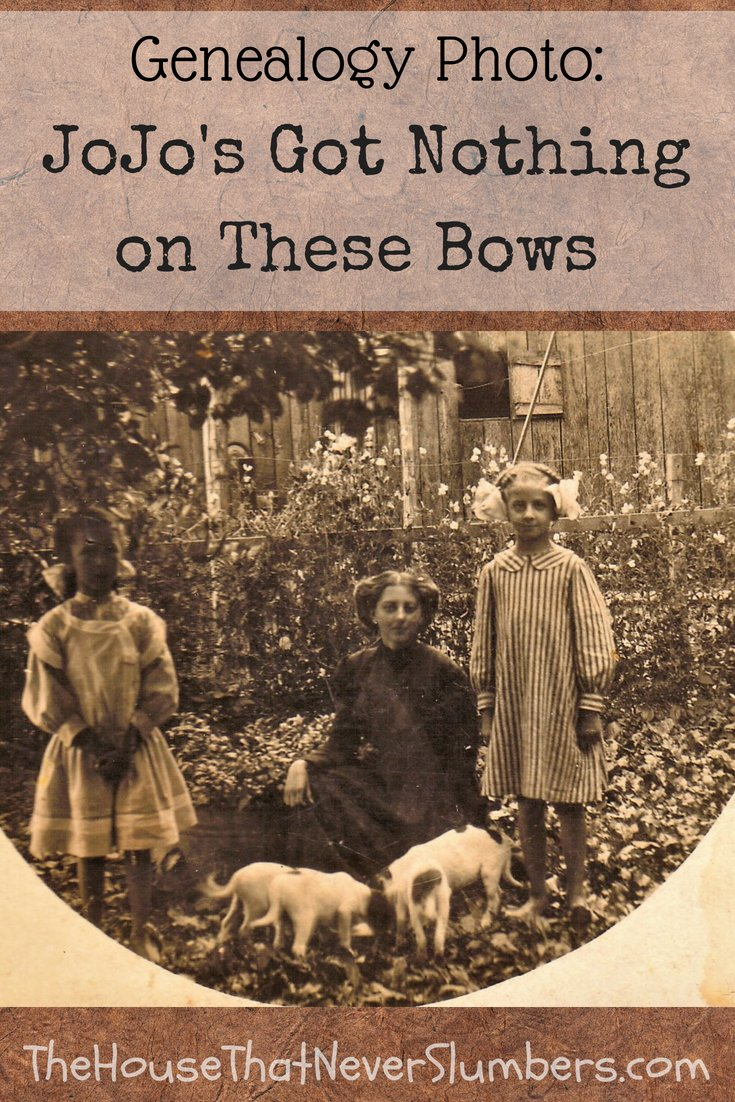JoJo's Got Nothing on These Bows [Genealogy Photo] - #genealogy #familyhistory #familytree #indianahistory #indiana #fashion #fashionhistory
