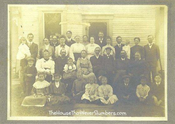 John and Nancy McMullen Bales Reunion 1906 - #genealogy #familytree #familyhistory #indianahistory #randolphcountyindiana