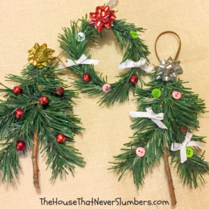 Dollar Tree Craft - Rustic Christmas Tree - Looking for an easy craft for your next holiday gathering? Let us teach you how to make these adorable Rustic Christmas Trees using cheap supplies from the Dollar Tree! #christmas #christmascraft #DIY #dollartree #easycraft #crafting