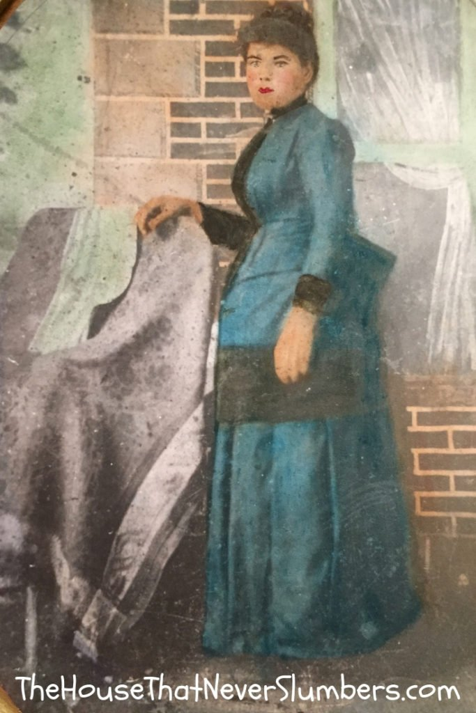 My Foremother Penelope Stout Was Slashed by Indians and Held Her Intestines in with Her Hands - Emma Luella Stout Niccum Portrait - #genealogy #familyhistory #family tree #Indianahistory #ancestry #NewJerseyhistory #NewAmsterdam #PenelopeStout
