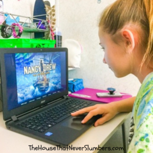 5 Reasons to Play Nancy Drew Sea of Darkness - You must get this Nancy Drew video game for the mystery-loving girl in your life! #mystery #NancyDrew #videogames #gamesforgirls #giftsforgirls